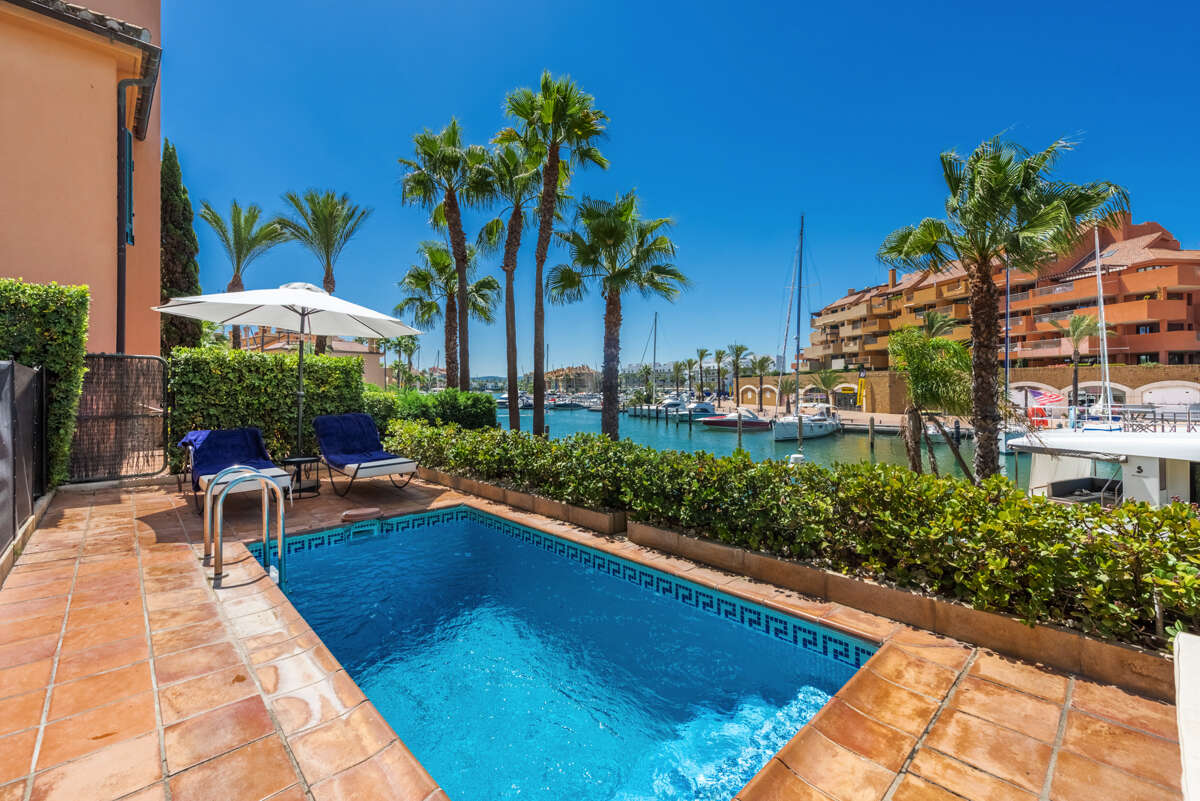 A SELECTION OF THE BEST APARTMENTS AVAILABLE FOR SALE IN THE MARINA AND ALTO AREAS OF SOTOGRANDE