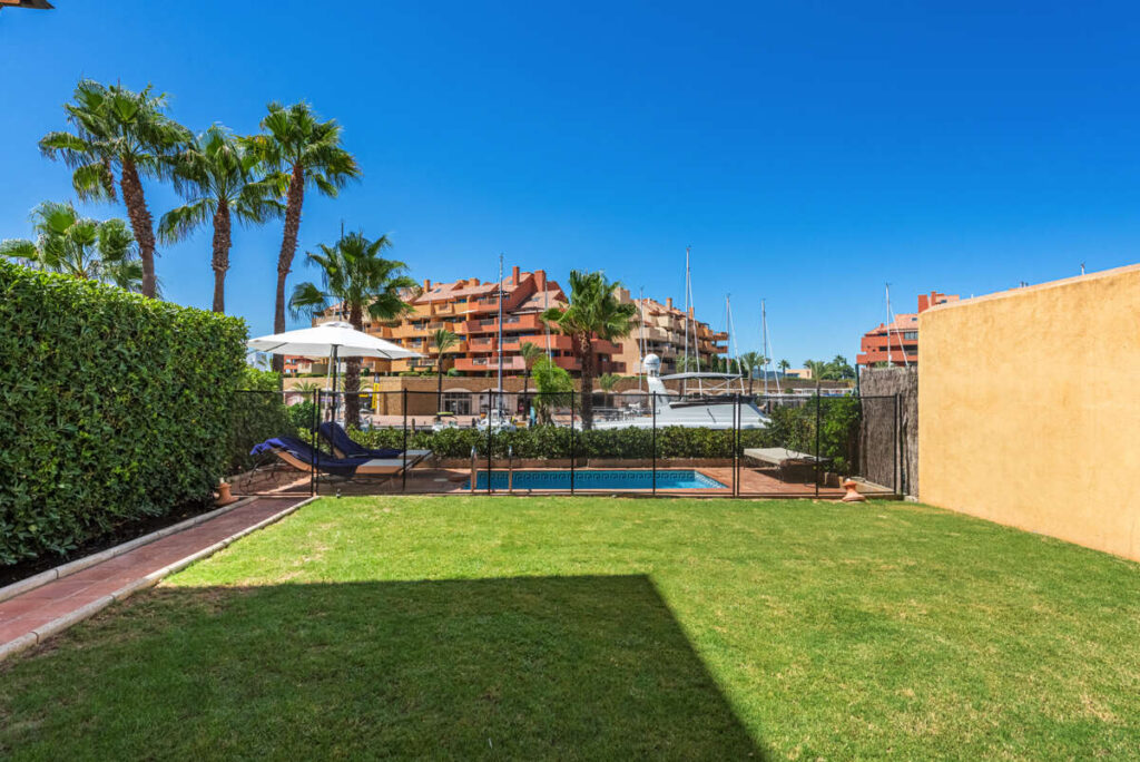PROPERTY-SPECIALISTS-SOTOGRANDE-COSTA-DEL-SOL-LUJO-LUJOSA-LUXURY-APARTAMENTO-APARTMENT-17